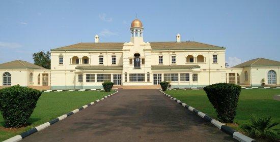 kabakas-palace-idi-amins-torture-chambers-kampala-city-visit