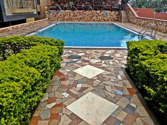 Swimming-pool-area-kampala-city-centre-hotel
